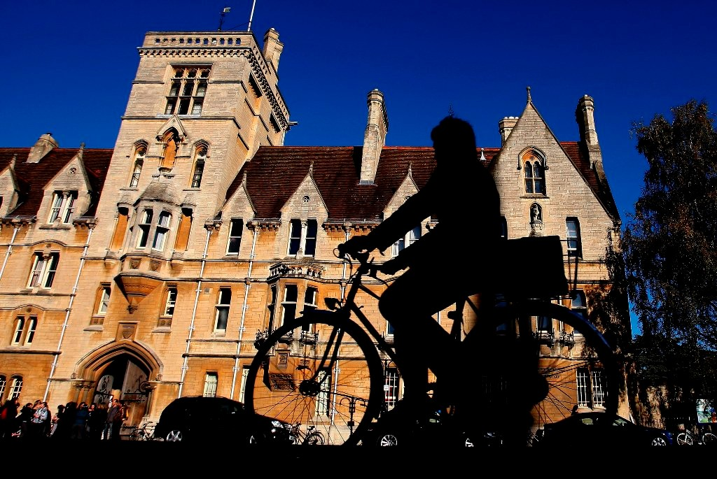Oxford will receive £835,000 of Department for Transport money to make the Plain roundabout safer for cyclists