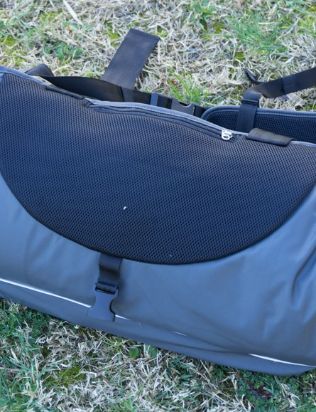 The padded sweat pad on the Henty Wingman helps grip too