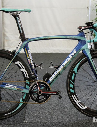Bianchi, currently sponsoring Vacansoleil-DCM, are likely to replace Giant as Belkin sponsors