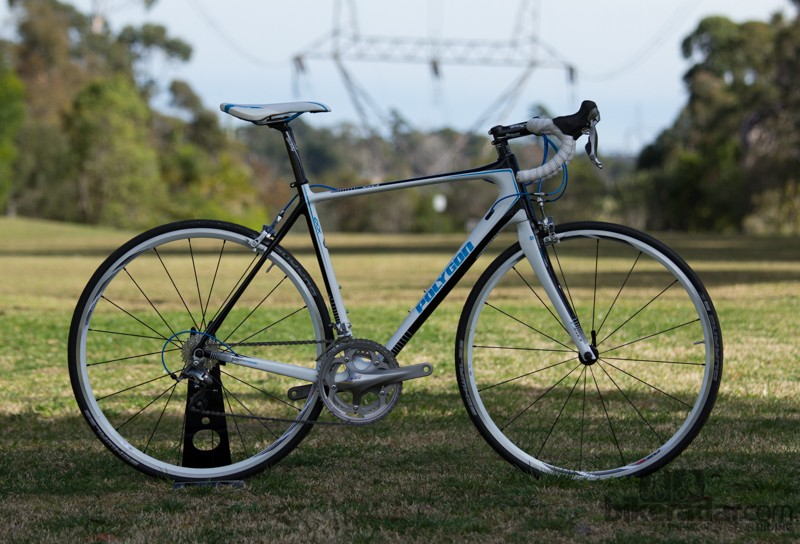 01d7fc32270 The Polygon Helios C6.0 is an endurance road bike with race flair