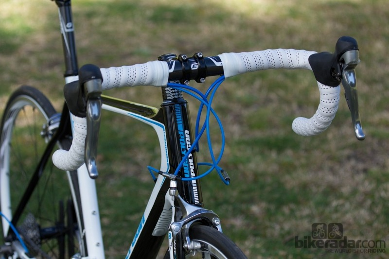 The messy bar tape and cables can both be fixed easily on the Polygon Helios C6.0