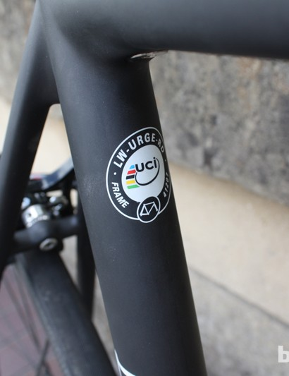The Lightweight Urgestalt does come with a UCI sticker, so the frame is legal for UCI races