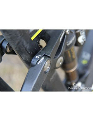 The 2014 Trail Fox 29 has a sag indicator on the upper link to aid in suspension setup