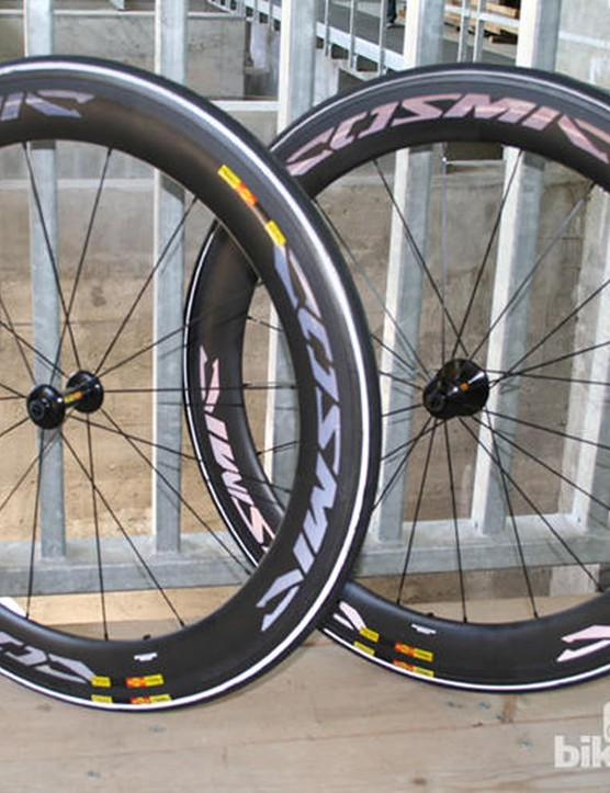 Mavic's Cosmic Carbone CXR 60 hoops are up there in the road wheels category