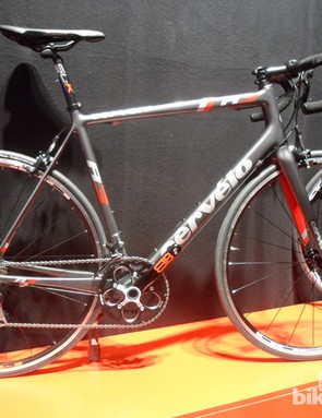 The Shimano 105-equipped Cervélo R3 Dark looks to be one of 2014's best bargains, at just £1,999.99 for a complete bike. Until recently, the comparable R5 frameset sold for £3,500