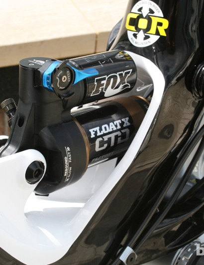 The Fox Float X CTD shock delivers 150mm of travel on the GT Force X Carbon Pro