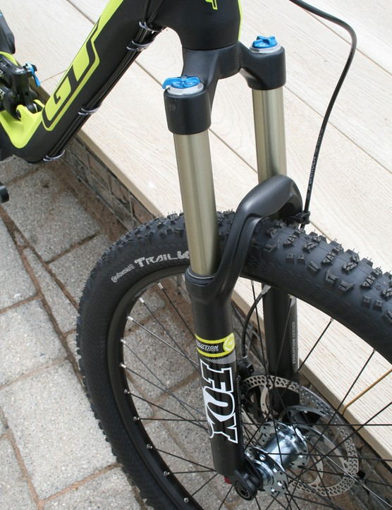 The GT Force X Carbon Expert also uses the longer 160mm variant of the Fox 34 fork
