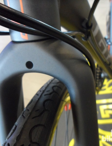 Disc brakes mean big clearances, so space for much fatter tyres should you want to hit the paths rather than the Tarmac on the GT Tachyon 1.0