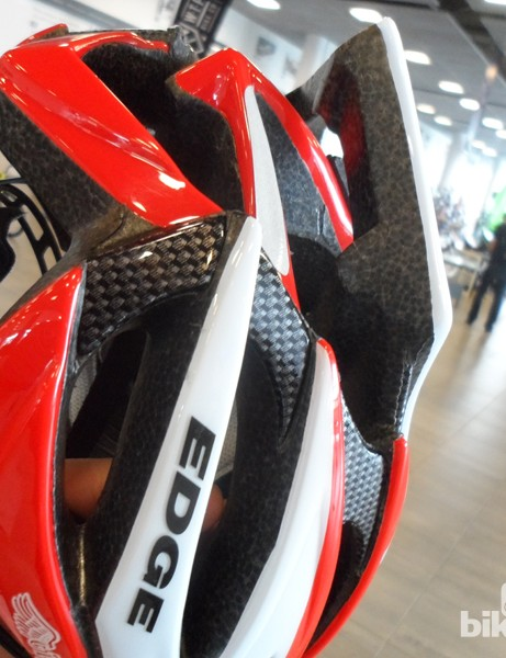 Large vents and exit ports on the GT Edge road helmet