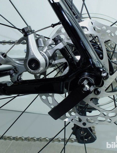 Render Promax cable disc brakes feature on the alloy Cannondale Synapse 105