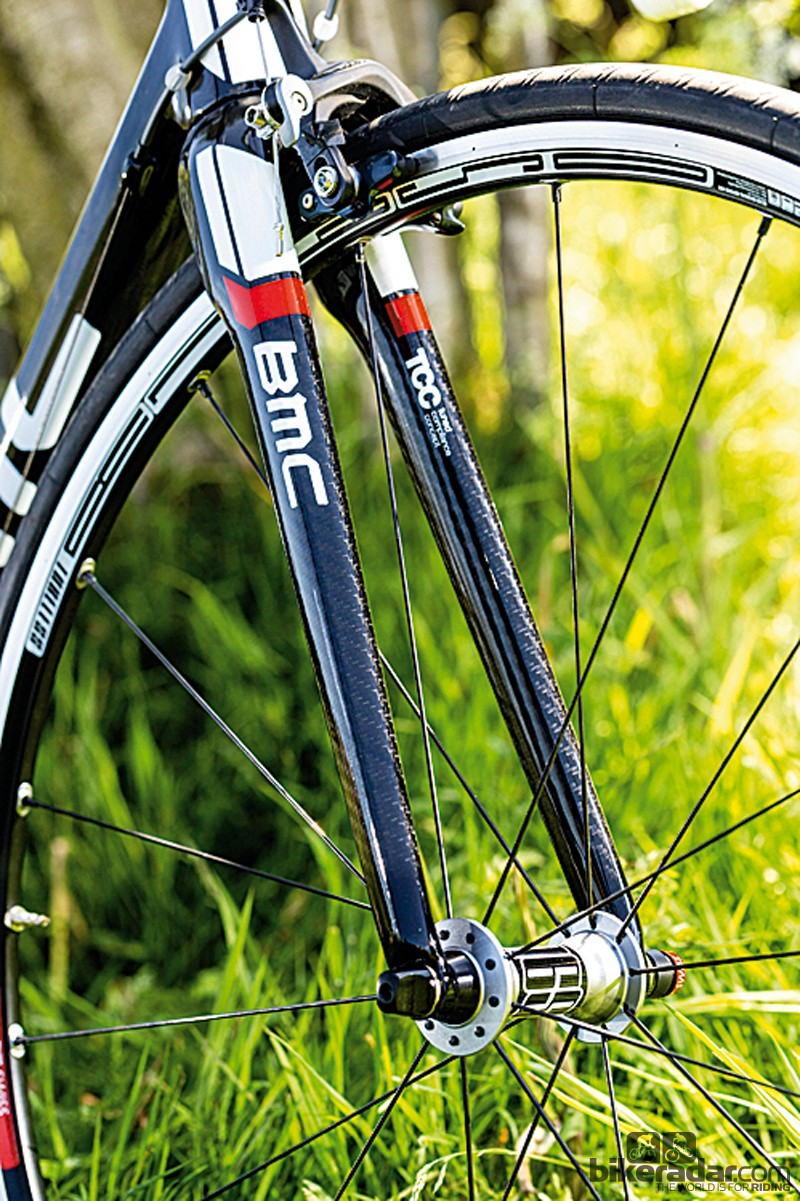 The BMC racemachine RM01's rapidly tapering full-carbon fork is very light, and distinctively smooth on the road too