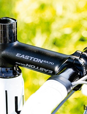 The long 120mm stem and narrow 39cm bar dominate the handling character and fit dynamics of the BMC racemachine RM01