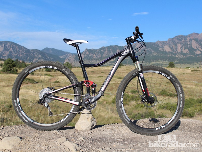 The Giant Anthem X 29er W comes in two models. This is the Giant Anthem X 29er 0 W