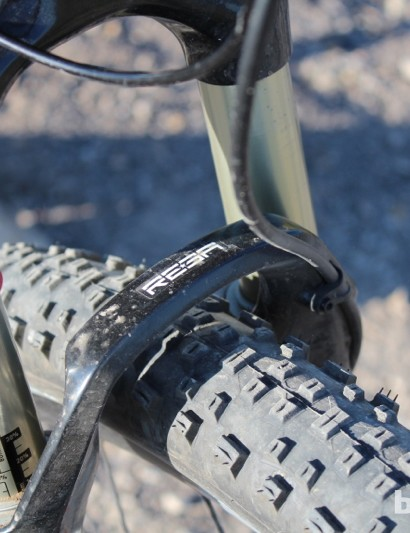 The Giant Anthem X 29er W has a RockShox Reba SL 29 fork with 100mm of travel