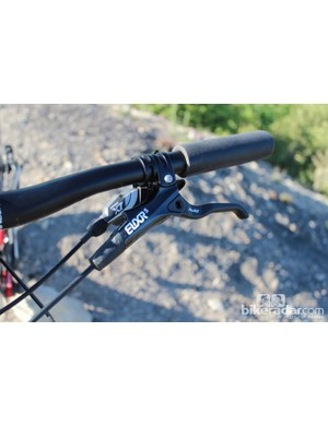 The Giant Anthem X 29er W has Avid Elixir 5 brakes. While these have reach adjust they lack pad-contact adjustment, a feature some of our testers would have liked to see