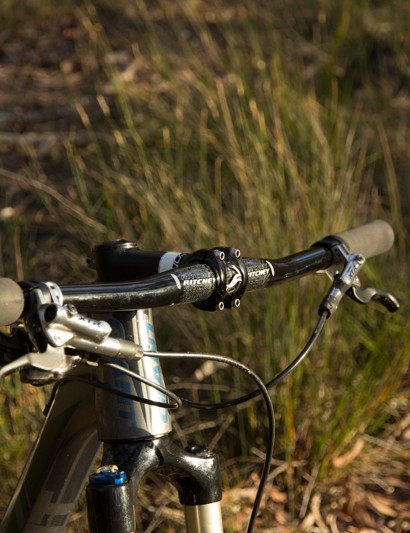 The Ritchey Pro 2X handlebar is wide - 720mm, to be exact