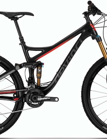 The top-of-the-line Devinci Troy Carbon RR will come equipped with a 150mm Fox Float 34 FIT CTD fork, Easton Haven wheelset, Avid Elixir 9 Trail brakes and (although it's not shown in this image) SRAM's new X01 11-speed group. Claimed weight for the Troy Carbon RR is 27.1lb (12.3kg)