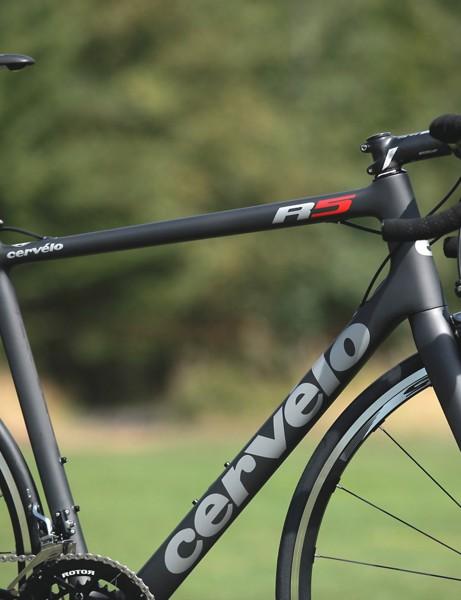 The new Cervélo R5 borrows the Rca's tube profiles and routing scheme