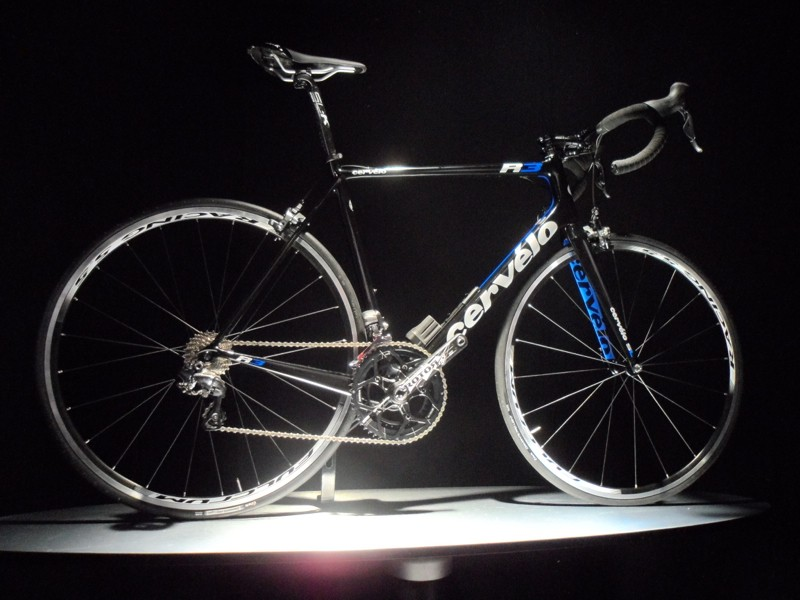 The Cervélo R3 bikes come as a frame or mechanical/electric Shimano Ultegra bikes
