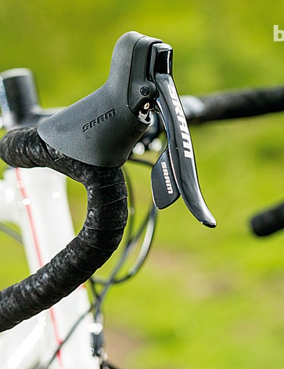 SRAM's Apex provided great shifting and excellent ergonomics on the Eastway R3.0