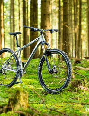 The Whyte 901 is the entry level model in their trail hardtail range, with 650b wheels paired to a 130mm fork, and a relaxed head angle