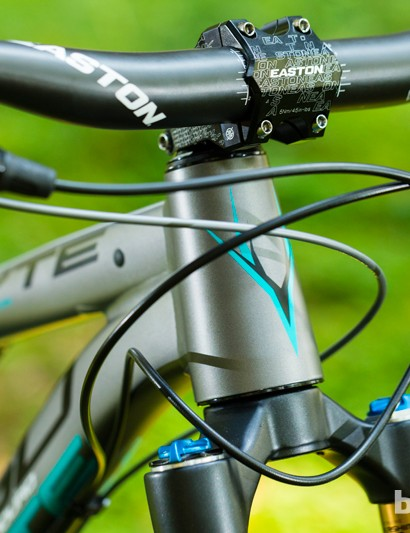 The top-level Whyte G-150 Works uses a chunky Easton 35mm bar and stem in conjunction with a Fox 34 Factory fork for high precision handling