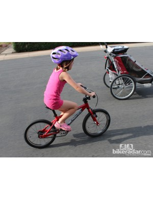 The Islabikes Cnoc 16 is recommended for riders aged four years and older, and from 41in (104cm) in height and taller