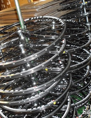 In-house wheel building at Lapierre