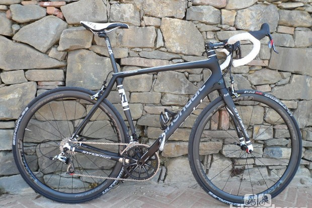 The Cannondale Synapse Hi-Mod is a contender for the best sportive bike of 2013