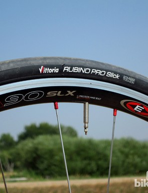 We wish the stock Easton EA90 SLX wheels used wider rims but they're light and snappy for a great feel on steep climbs. The matching Vittoria Rubino Pro Slick tires provide good grip and a smooth ride