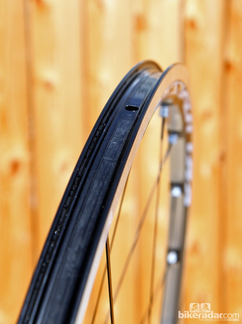 Many of Mavic's existing rim and wheel designs would require only minor modifications to make them tubeless compatible