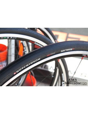 Hutchinson's new Atom Sector 28 tire finally gives Road Tubeless fans a legitimate high-volume option
