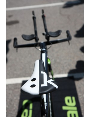 Fi'zi:k-sponsored riders typically ride an Aliante, Arione, or Antares saddle. Peter Sagan (Cannondale) opts for the latter