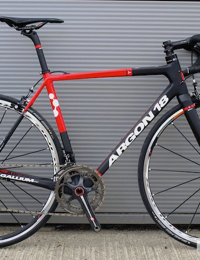 The new Argon 18 Gallium Pro features a lower bottom bracket drop and shorter head tube than its predecessor