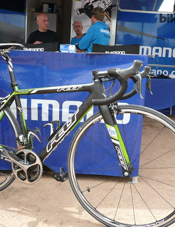John Degenkolb (Argos-Shimano) turned up at the Shimano stand. While he was shown some of the hardware, his Felt F1 was on show