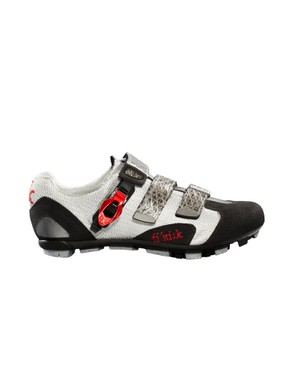 The Fi'zi:k M5 mountain bike shoe features a nylon carbon-reinforced sole with provision for studs