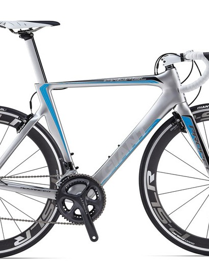 The Giant Propel Advanced 2 is built up with aero components including Giant's P-SLR1 aero wheel system, Speed Control SL integrated brakes and Contact SLR Aero composite handlebar
