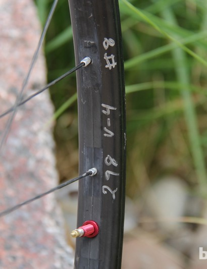 Our prototype test wheels had Stan's own scribbles on them. This rim appears to weigh 298g
