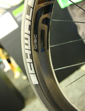 Cannondale requested that ENVE create a disc-specific carbon clincher wheelset (read: a slightly lighter wheelset thanks to the absence of a brake track and related reinforcement)