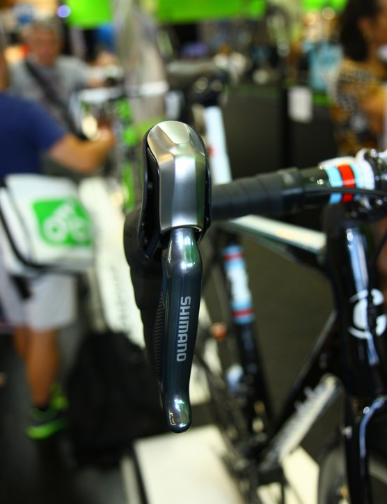 Shimano's non-series hydro/electric levers are simply labeled 'Shimano'