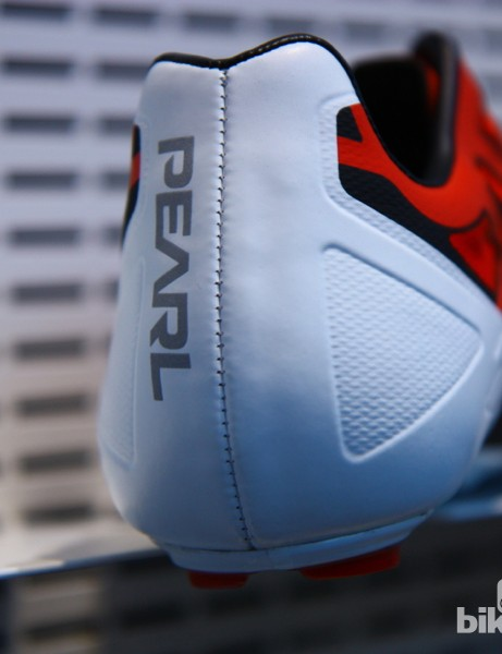 This is the only stitch on the otherwise seamless upper. The Pearl Izumi Pro Leader's upper is bonded to the carbon sole
