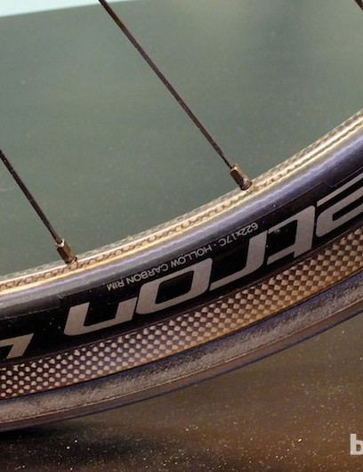 Vision's latest carbon Metron 40 clincher wheelset is offered in a disc brake version, as seen on the Bianchi Infinito CV