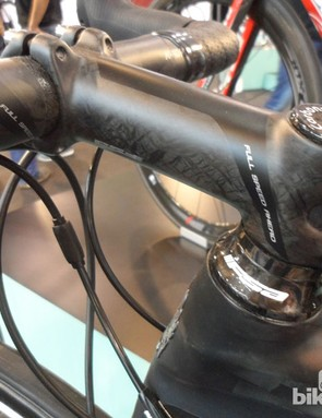 We love FSA's understated new finish on their K-Force Light components, seen here on the Bianchi Oltre XR2