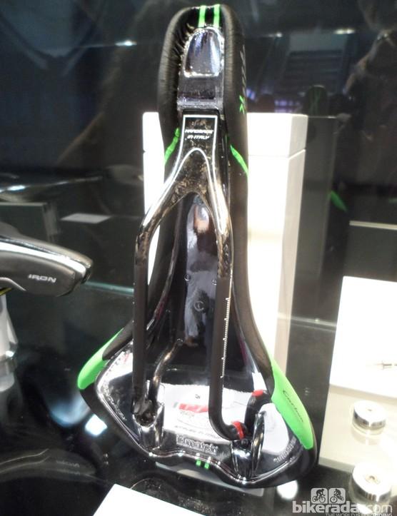 The Selle Italia K Kit Carbonio Flite saddles get a new lighter, stronger carbon ceramic rail and this distinct chrome finish underneath
