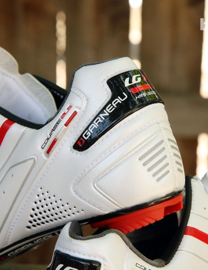 The well-shaped heel cup on the Louis Garneau Course 2LS shoes holds tight without gripping too hard