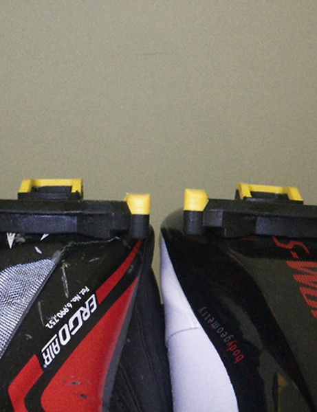 Louis Garneau provided this image to reinforce its position that there's no problem with the sole curvature of its Course 2LS shoe. Two Shimano SPD-SL cleats are pictured here, mounted to a Course 2LS shoe on the left and a Specialized S-Works shoe on the right. While this doesn't appear as extreme as on our test sample, we still see some cleat twist on the Louis Garneau shoe