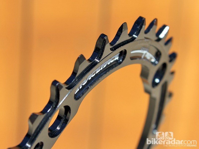 The Race Face Narrow/Wide chainring features alternating tooth profiles for surprisingly impressive chain security even without a supplemental chain guide