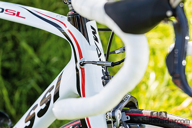 The Pro SL frame is equipped to handle either conventional gear cables or the latest electronic shifting systems