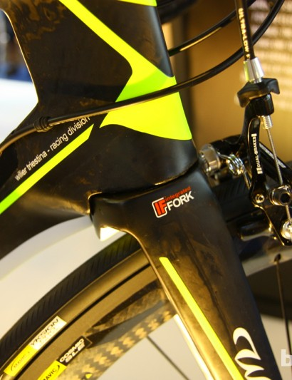 The upper section of the fork of the 2014 Wilier Cento 1 Air sits inside the frame