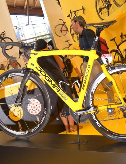 Chris Froome's Pinarello Dogma in Tour de France yellow